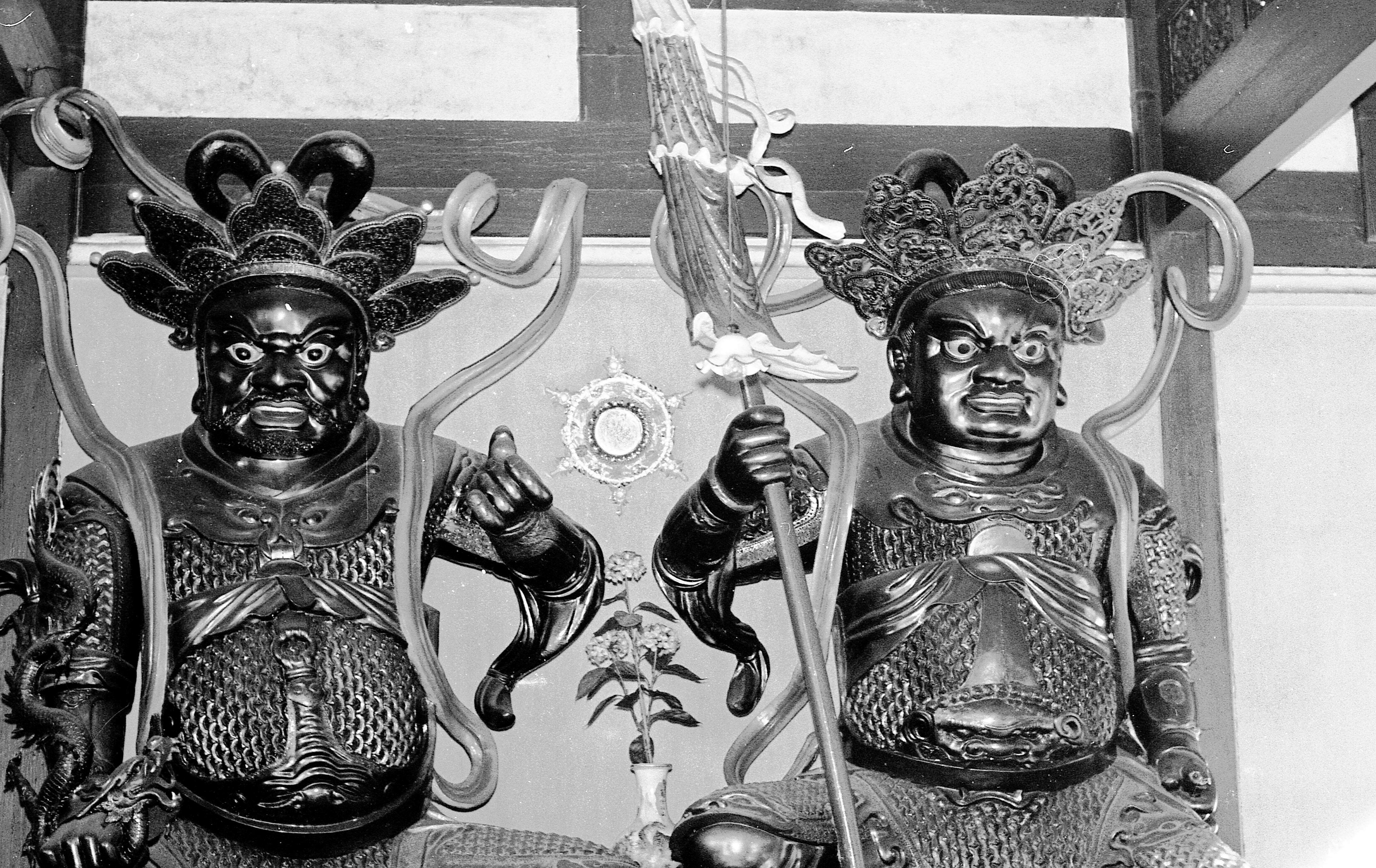 Statues-1.jpeg
