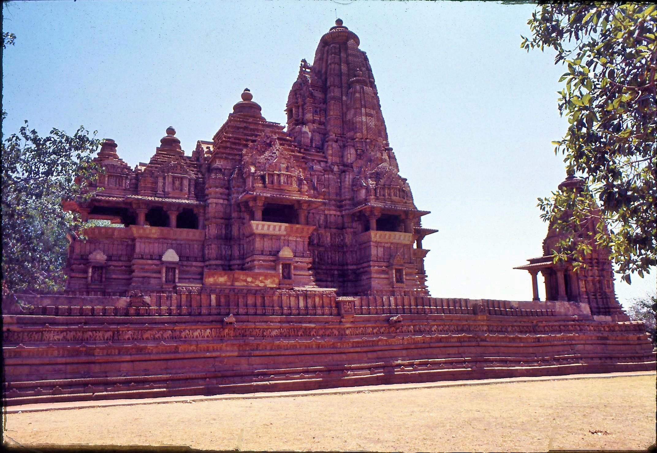 17-Khajuraho-4.jpeg