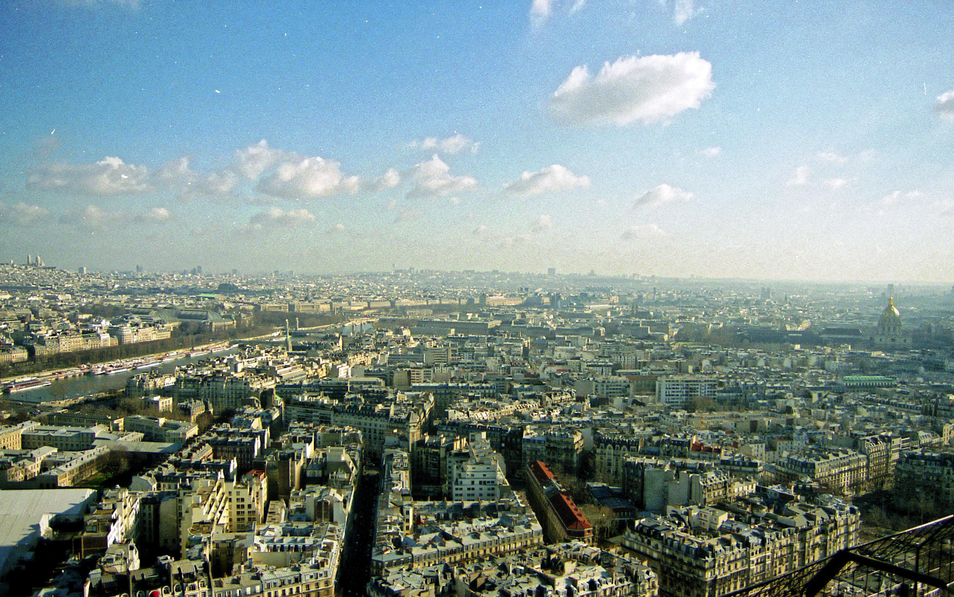 Vue-du-tour-Eiffel-1.jpeg