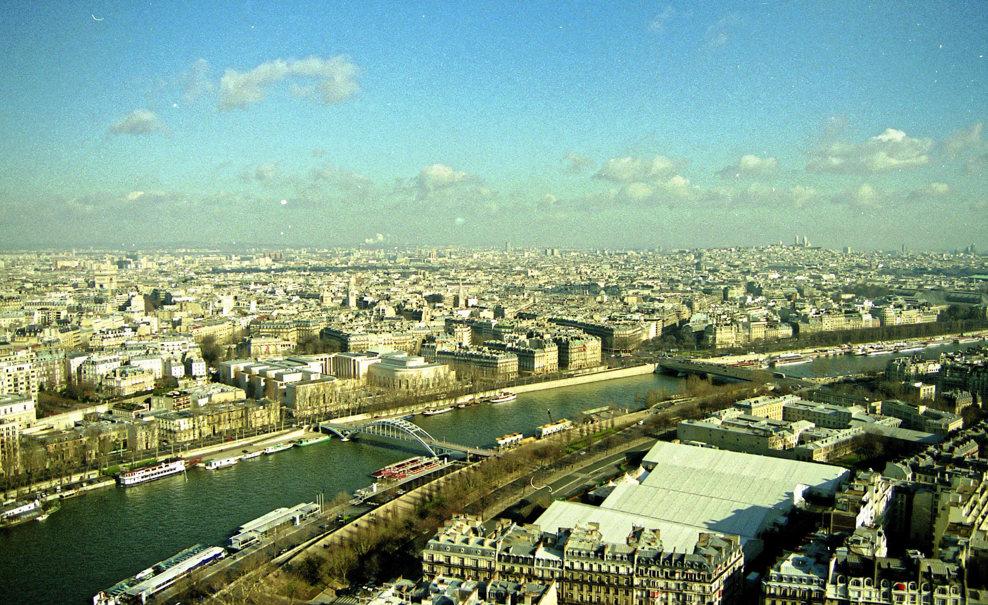 Vue-du-tour-Eiffel-2.jpeg