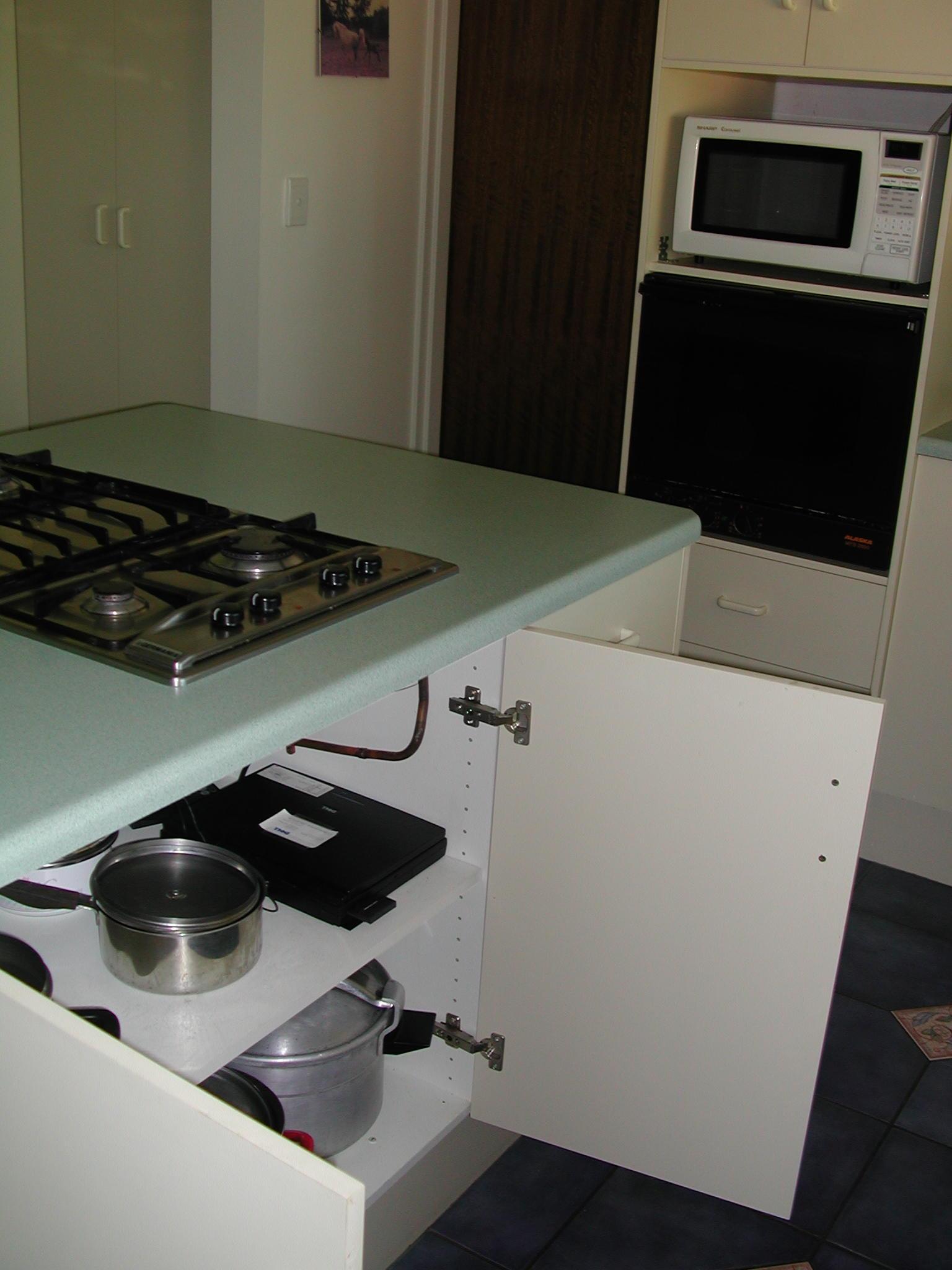 kitchen-computer.jpeg