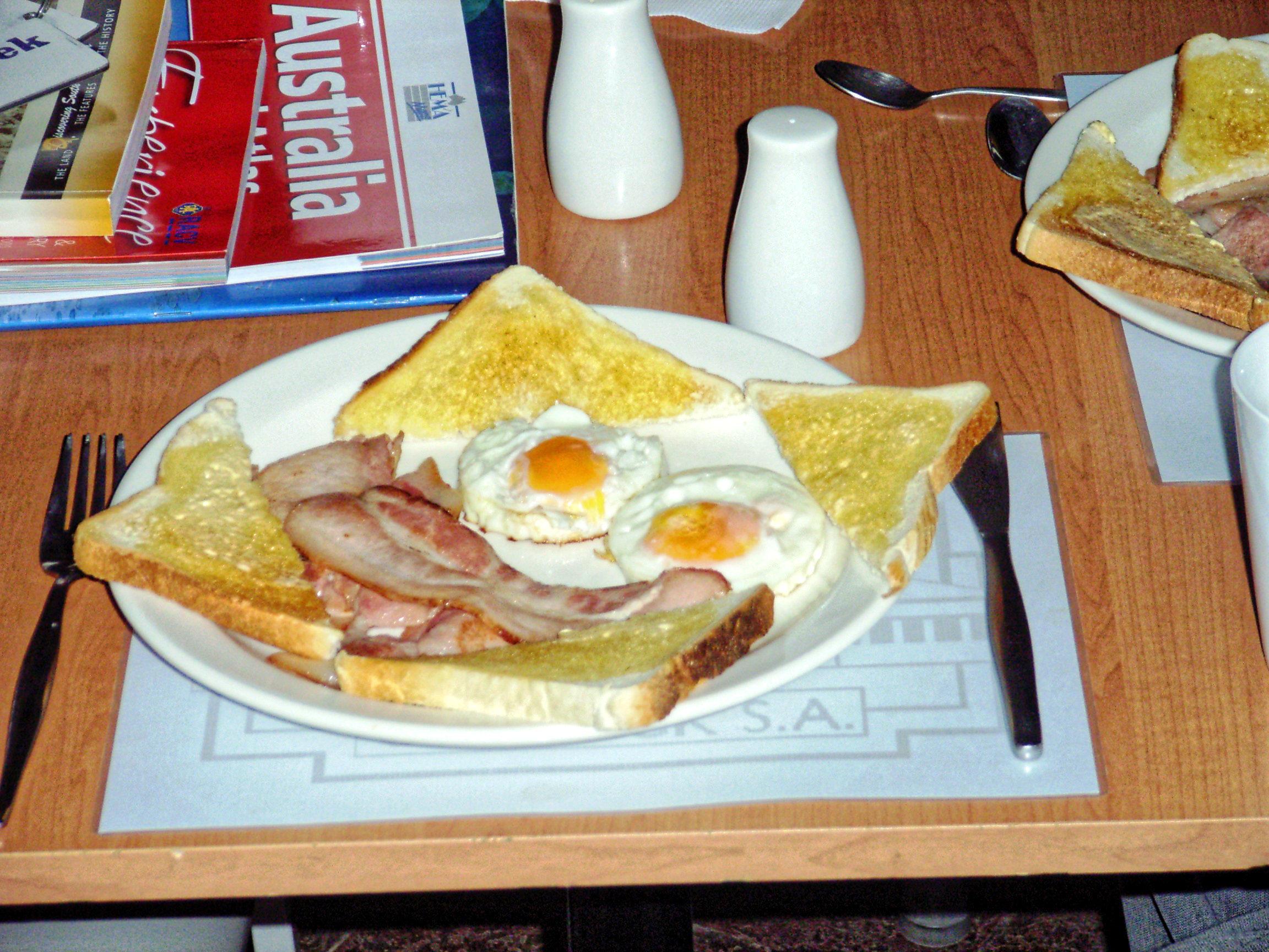 William-Creek-breakfast-1.jpeg