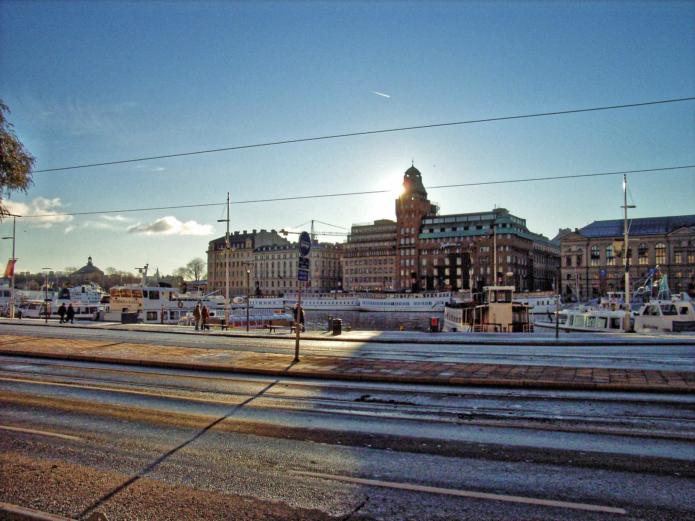 Stockholm-at-noon.jpeg