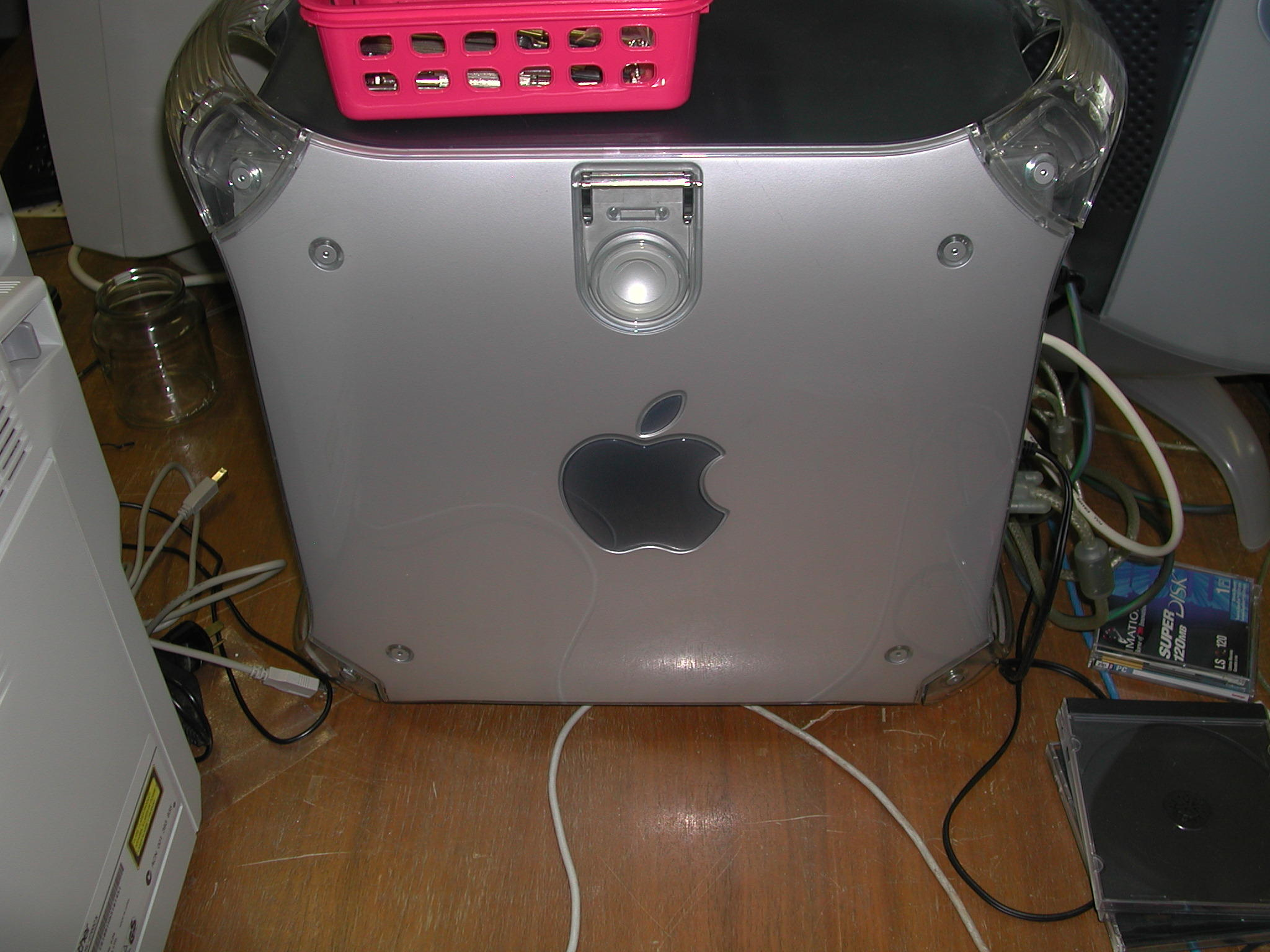 This should be powermac-1.jpeg.  Is it missing?