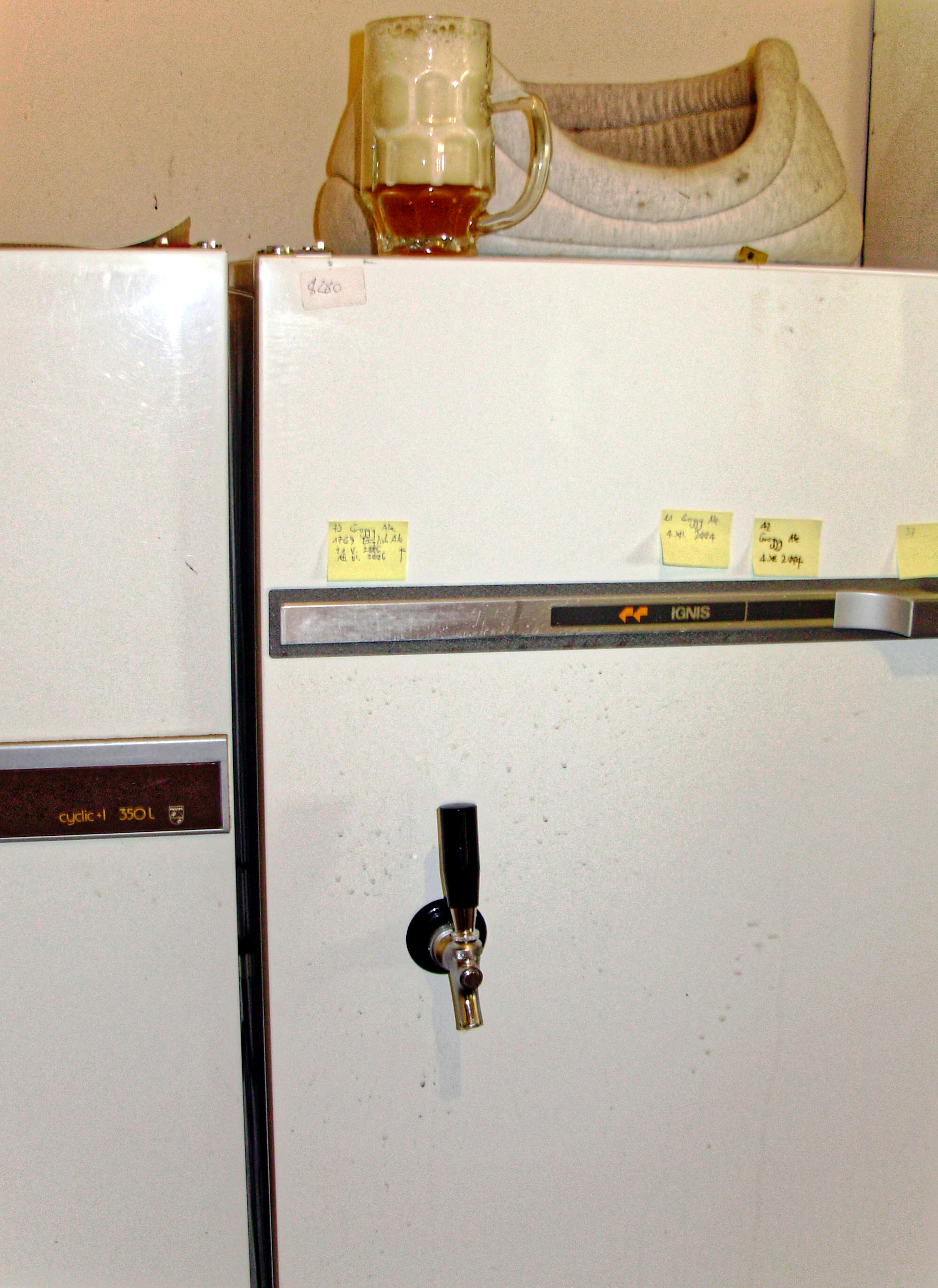 This should be fridge.jpeg.  Is it missing?