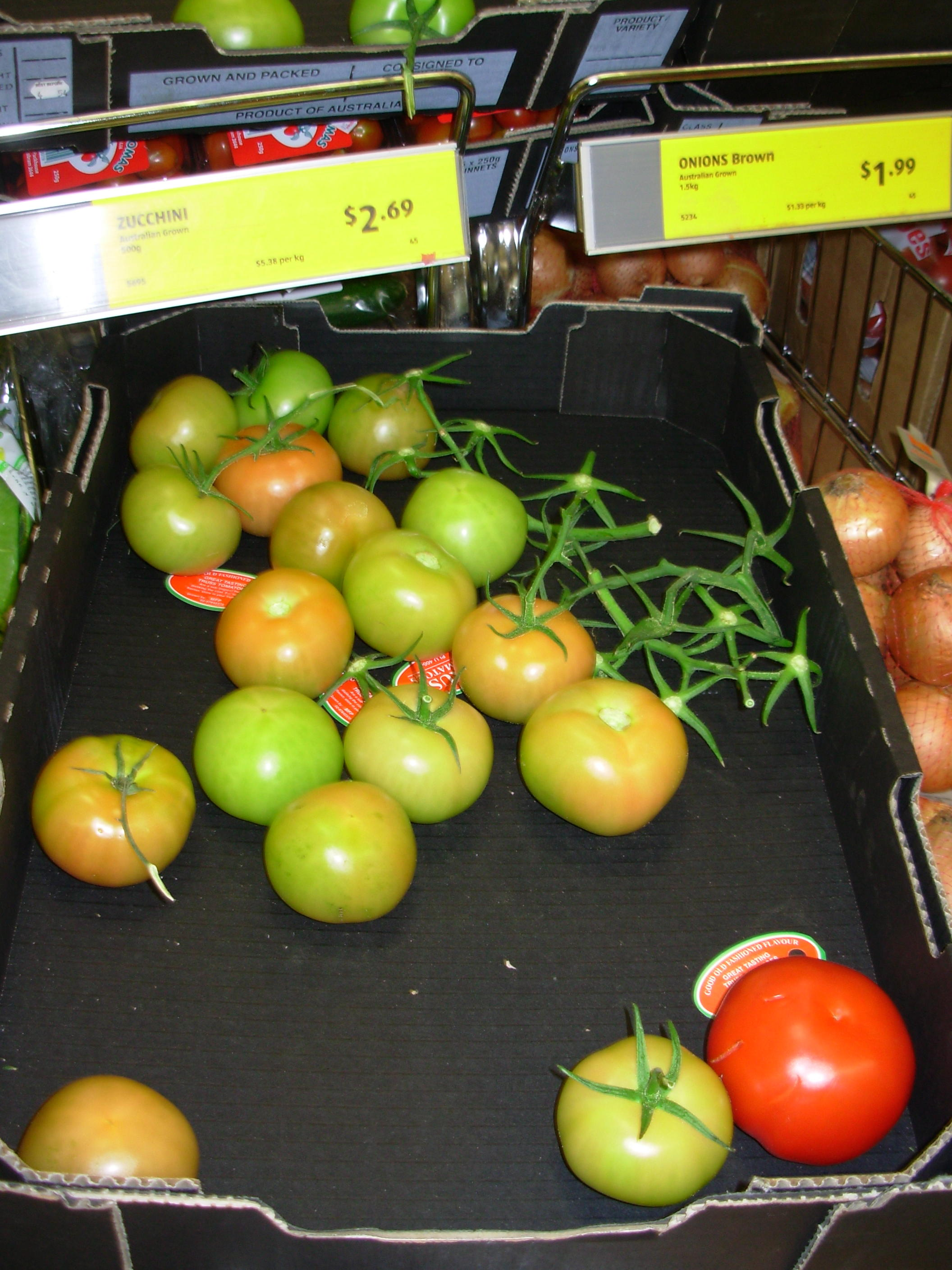 This should be aldi-tomatoes.jpeg.  Is it missing?