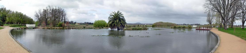 Lake-Wendouree-panorama.jpeg