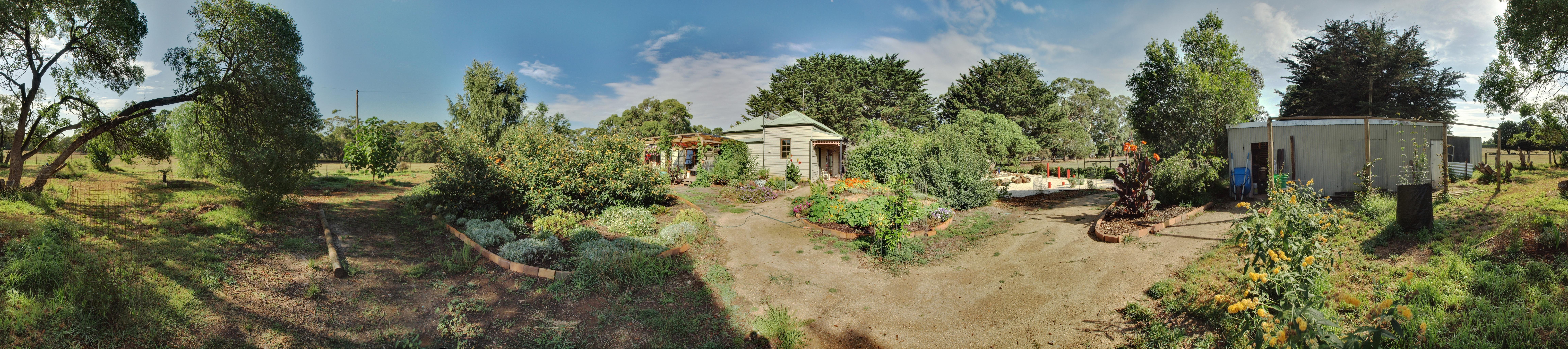 garden-ne-panorama-HDR.jpeg