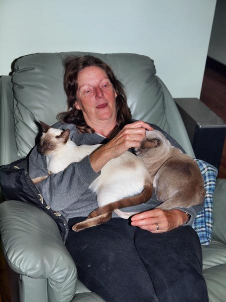 Yvonne-with-pussies.jpeg