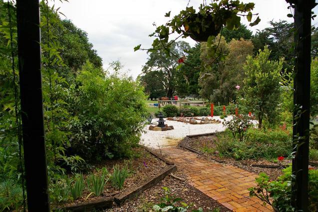 North-to-Japanese-garden-1.jpeg