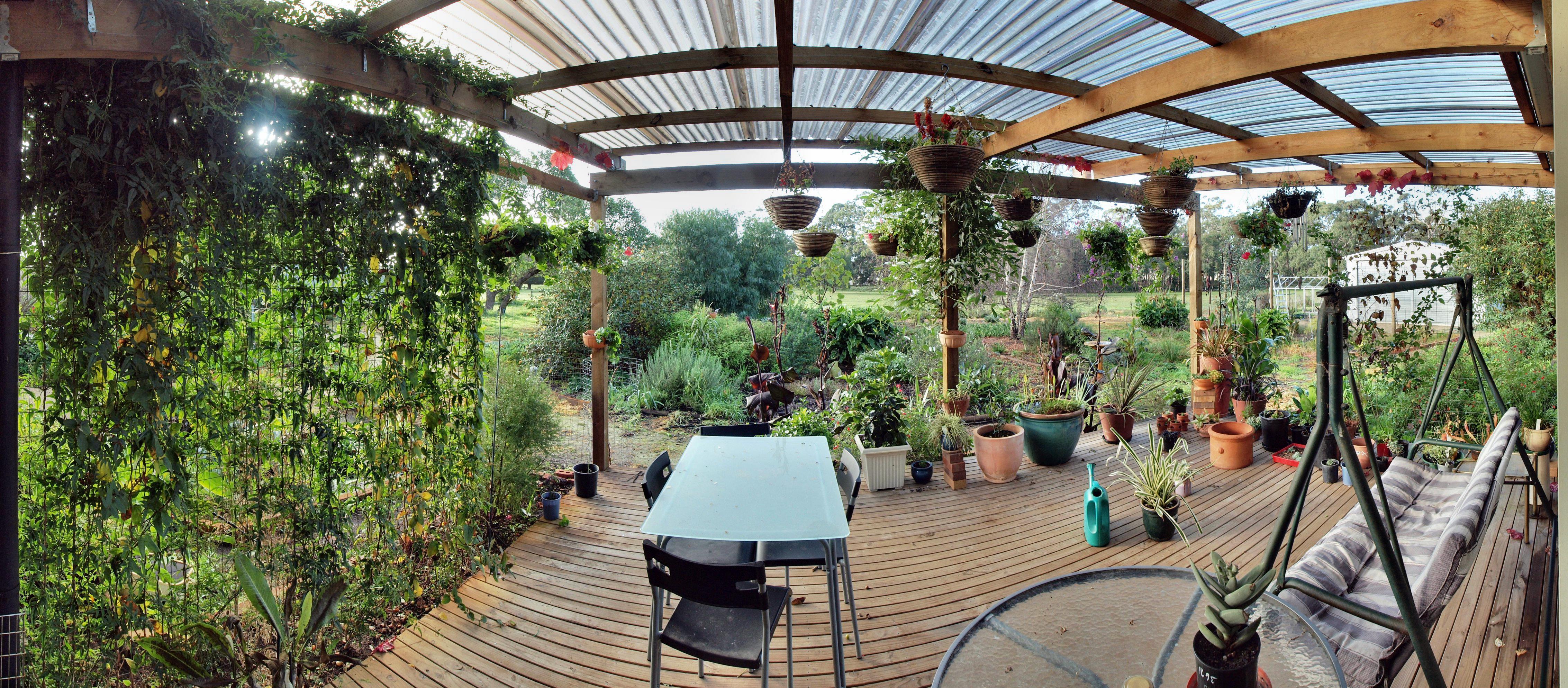 verandah-panorama-nofill.jpeg
