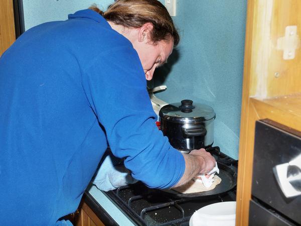 Making-chapatis-4.jpeg