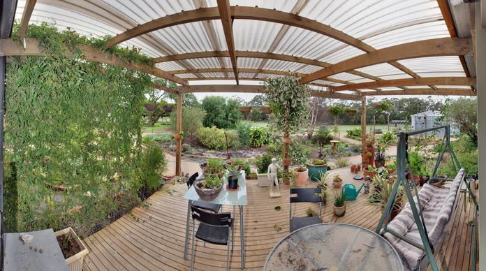 verandah-panorama-alt.jpeg