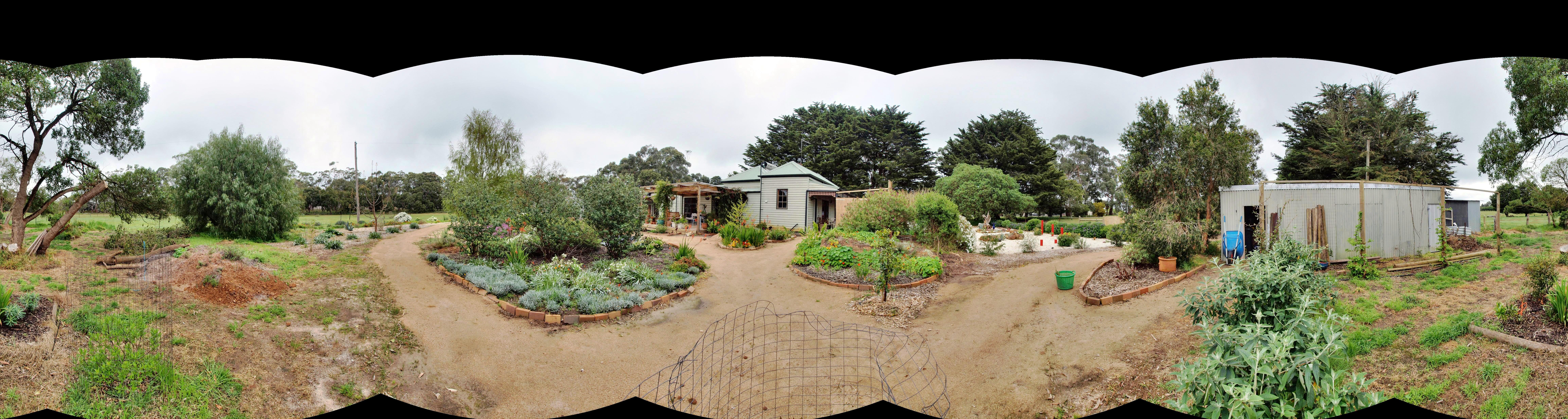 garden-ne-panorama-dup-raw.jpeg