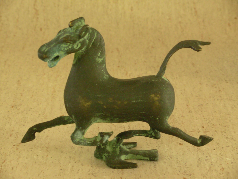 Horse-noflash-Nikon-1.jpeg