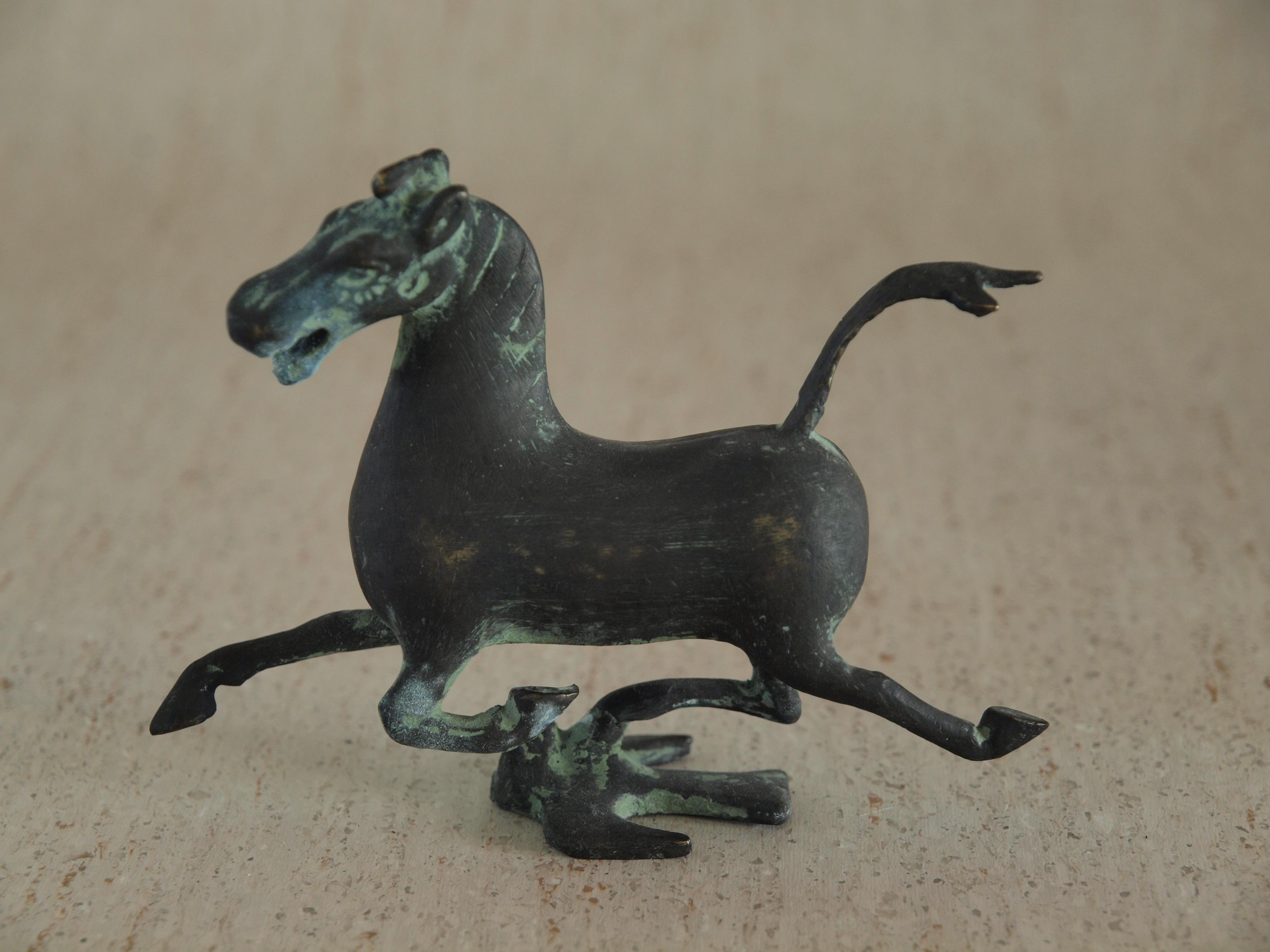 Horse-noflash-Olympus.jpeg