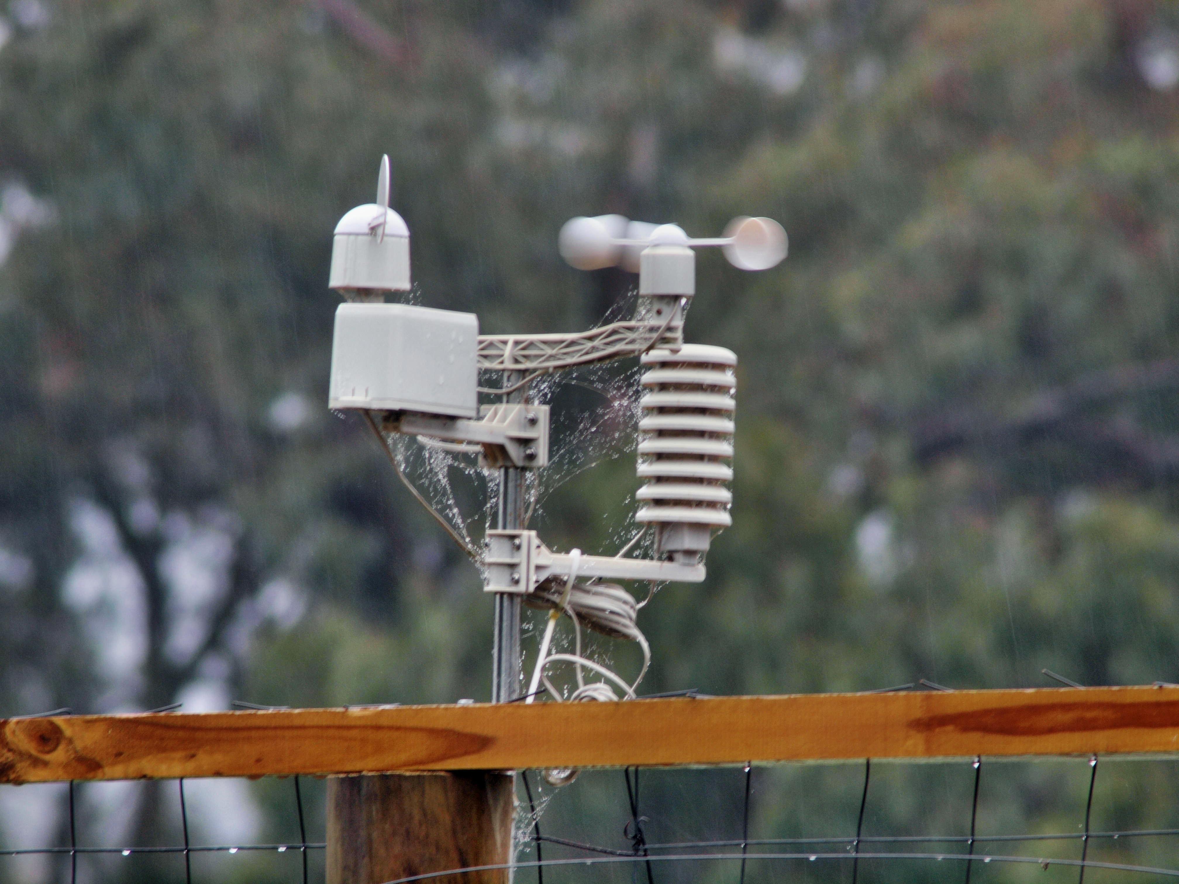 Weather-station-Hanimex-300mm-11-unstabilized.jpeg