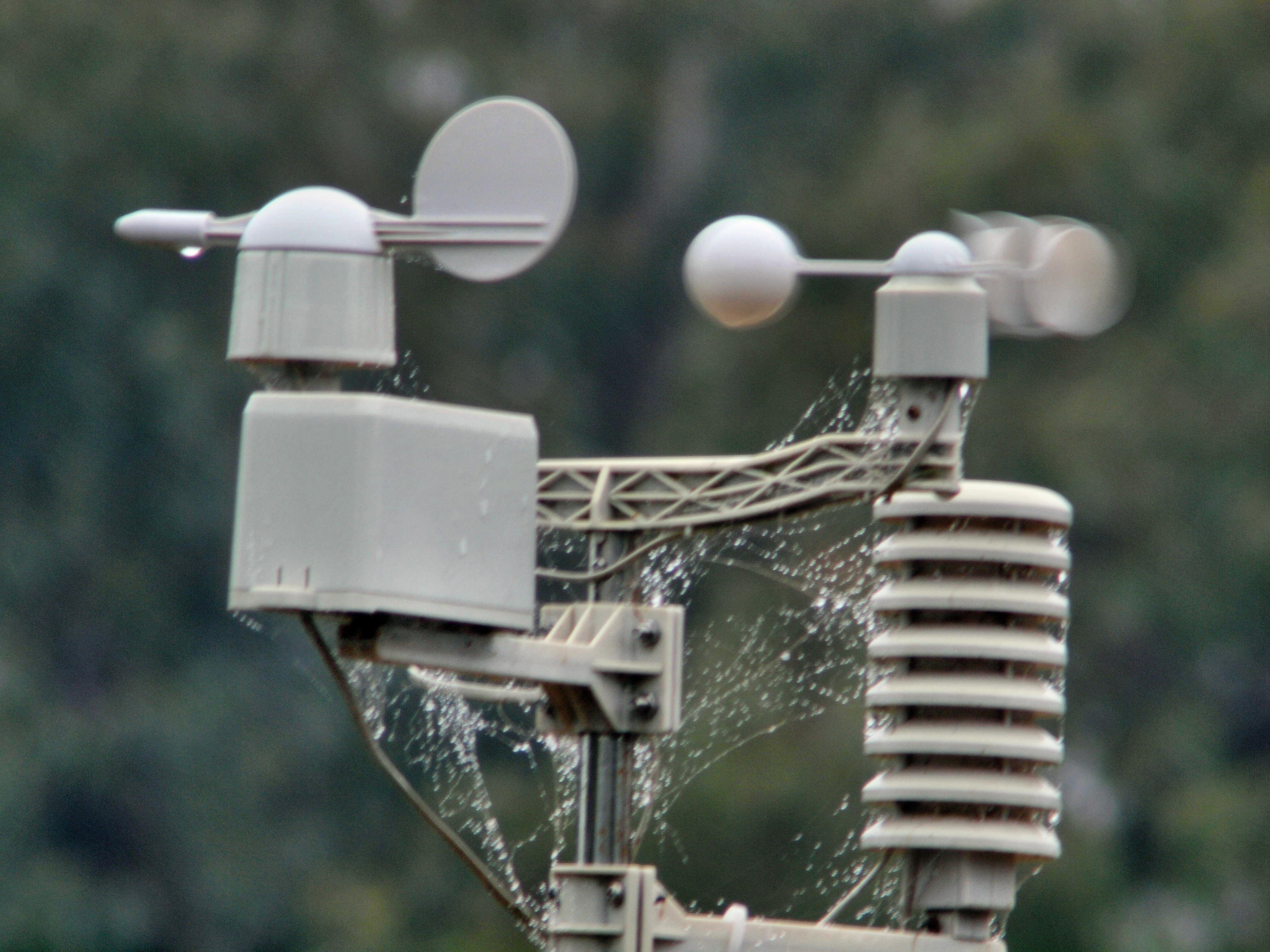 Weather-station-Hanimex-600mm-11-unstabilized.jpeg