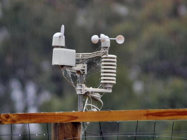 Weather-station-Hanimex-300mm-5.5-unstabilized.jpeg