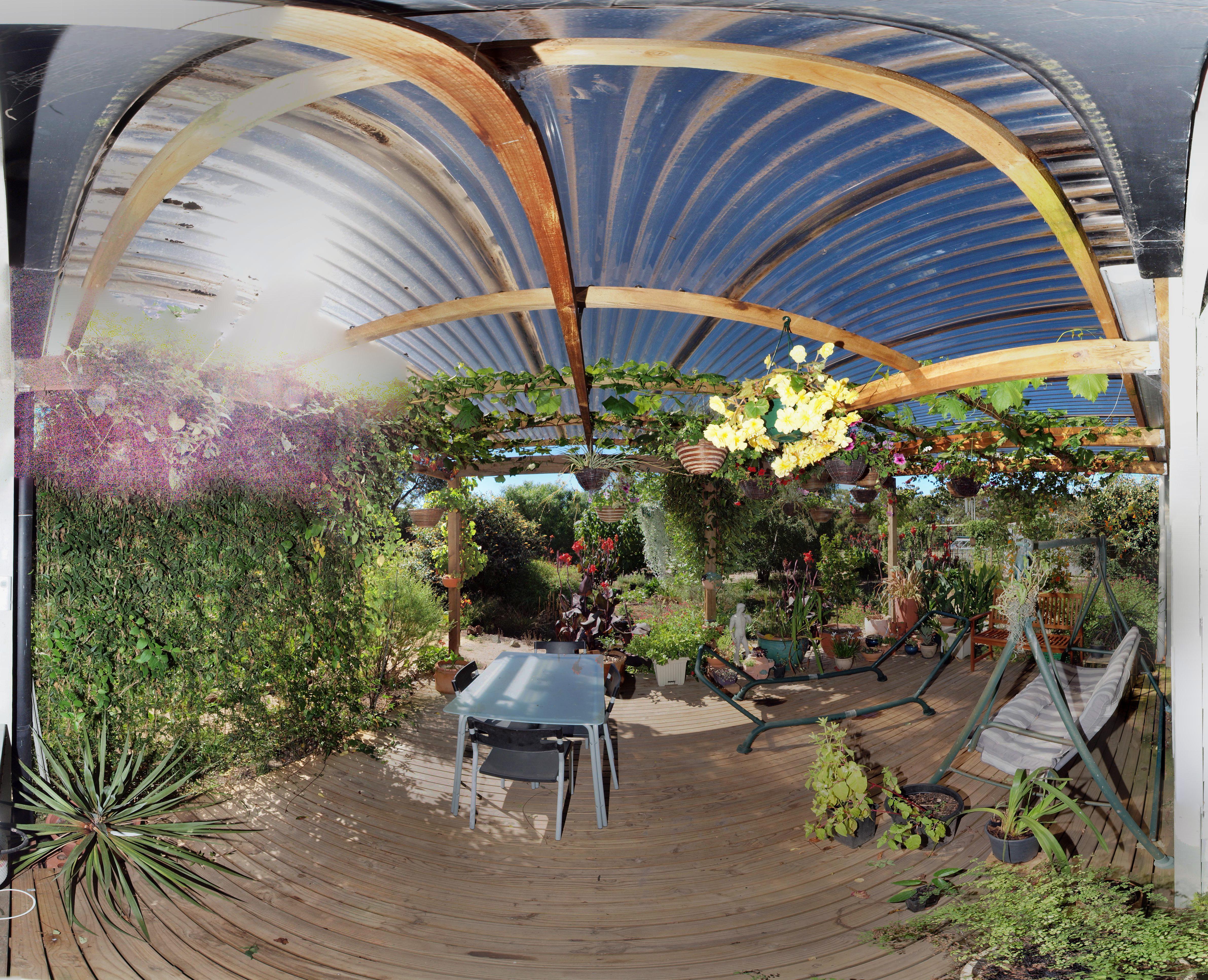 verandah-panorama-single.jpeg