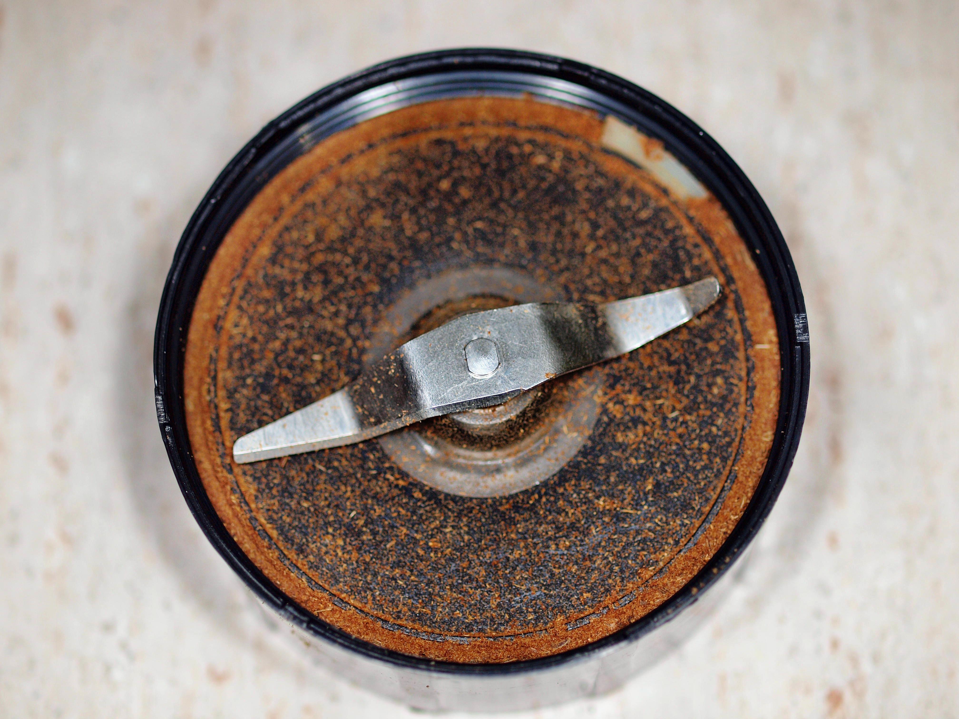 Spice-grinder-3.jpeg