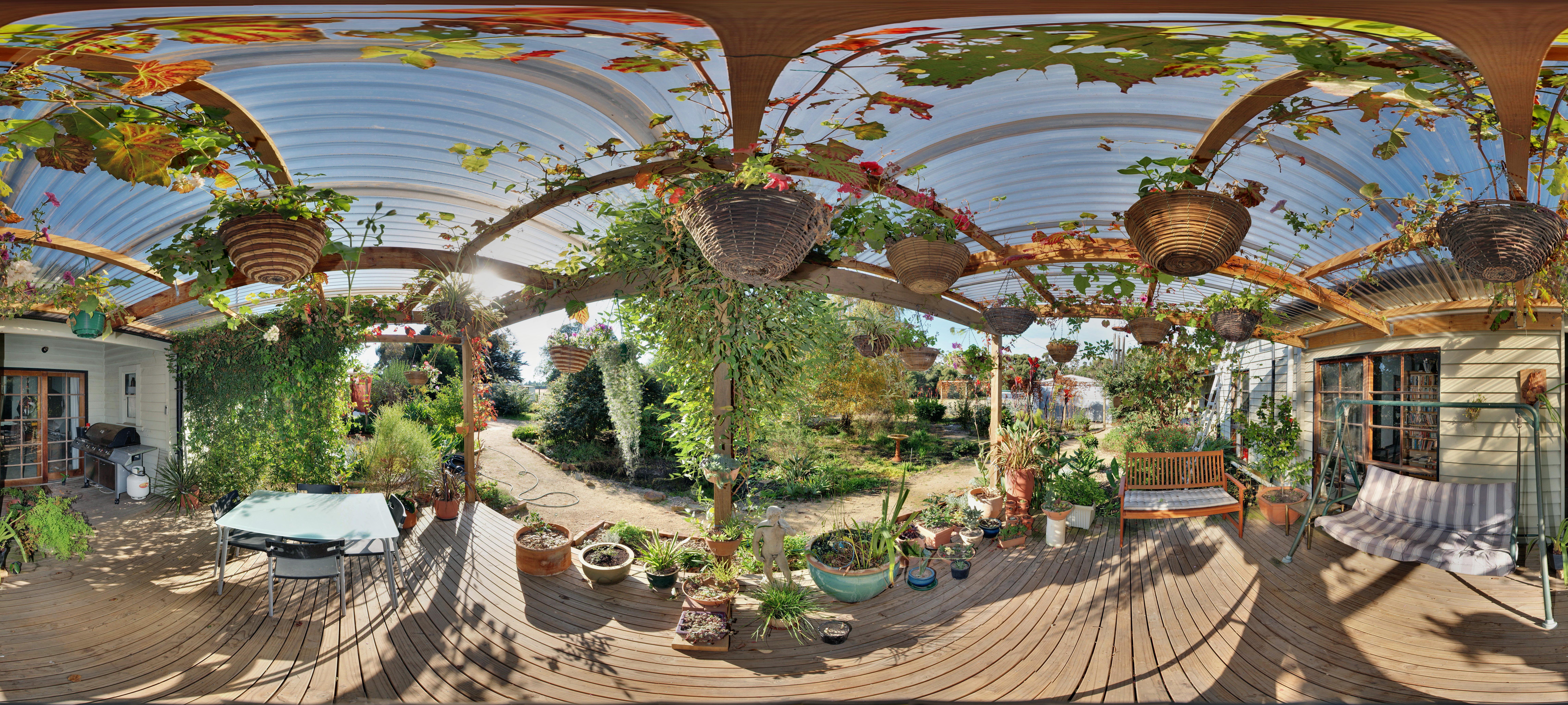 verandah-centre-equi.jpeg