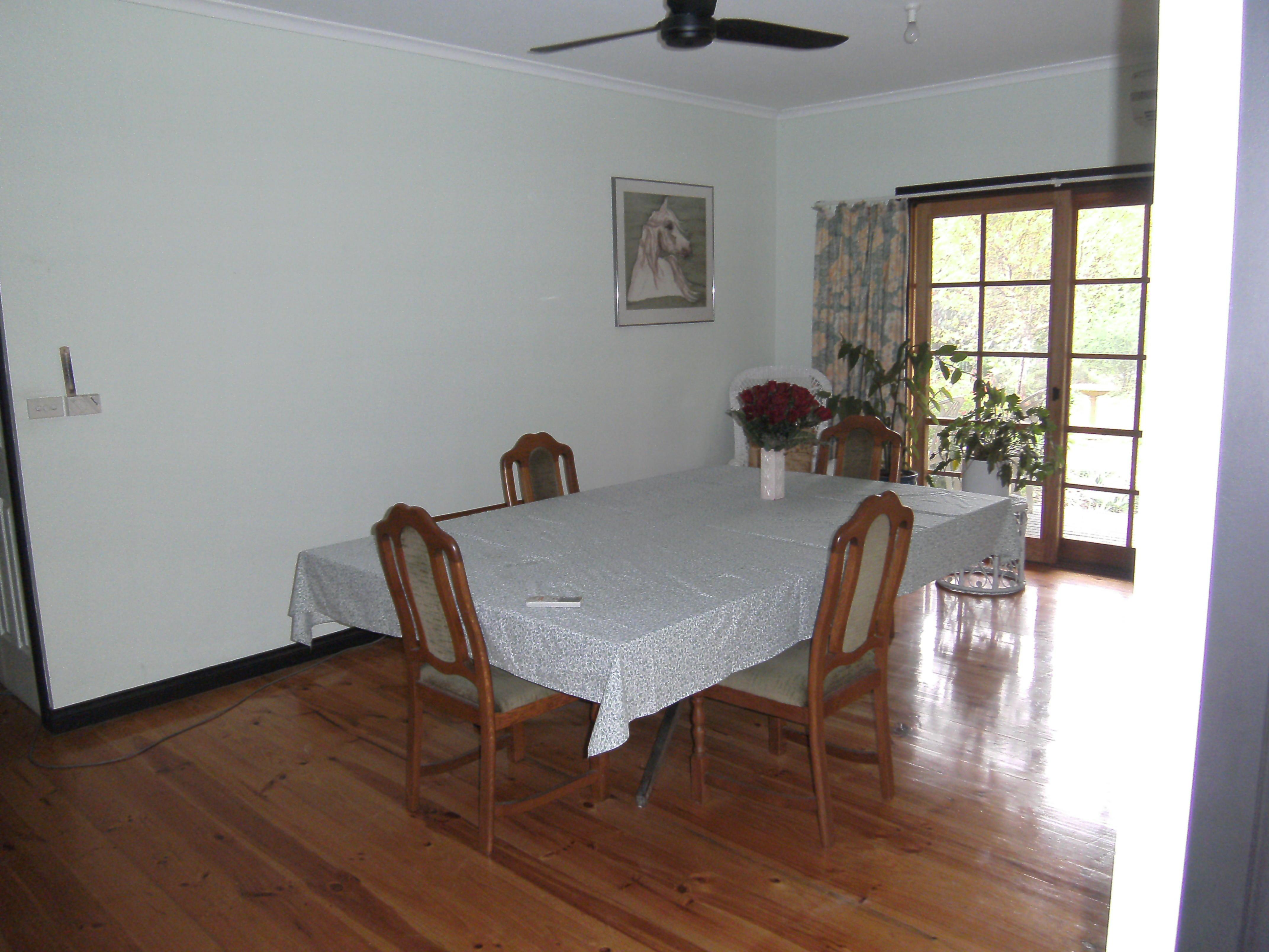 Dining-room-ALDI.jpeg