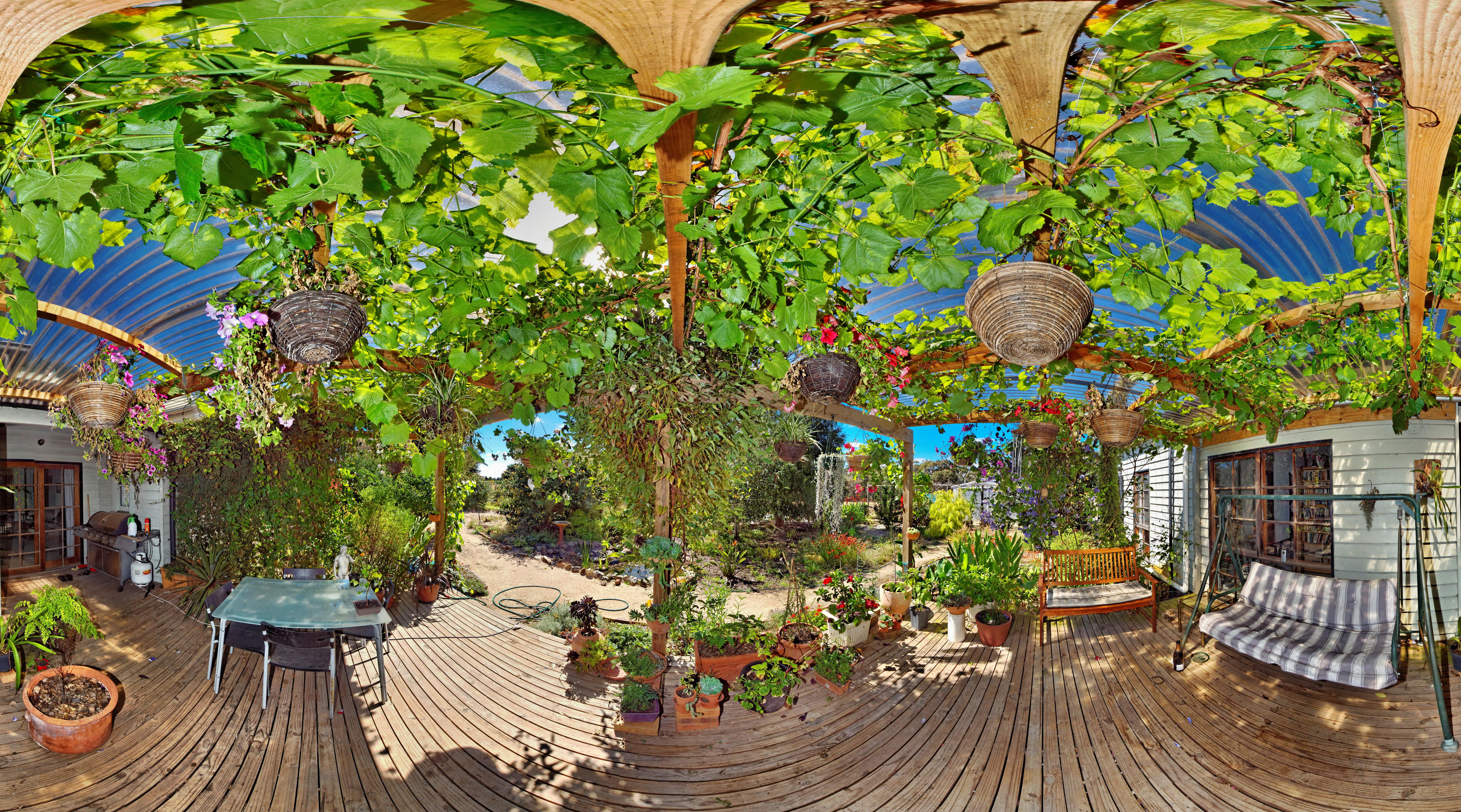 verandah-centre-notop.jpeg