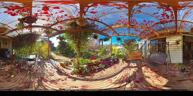 verandah-centre-equirectangular.jpeg