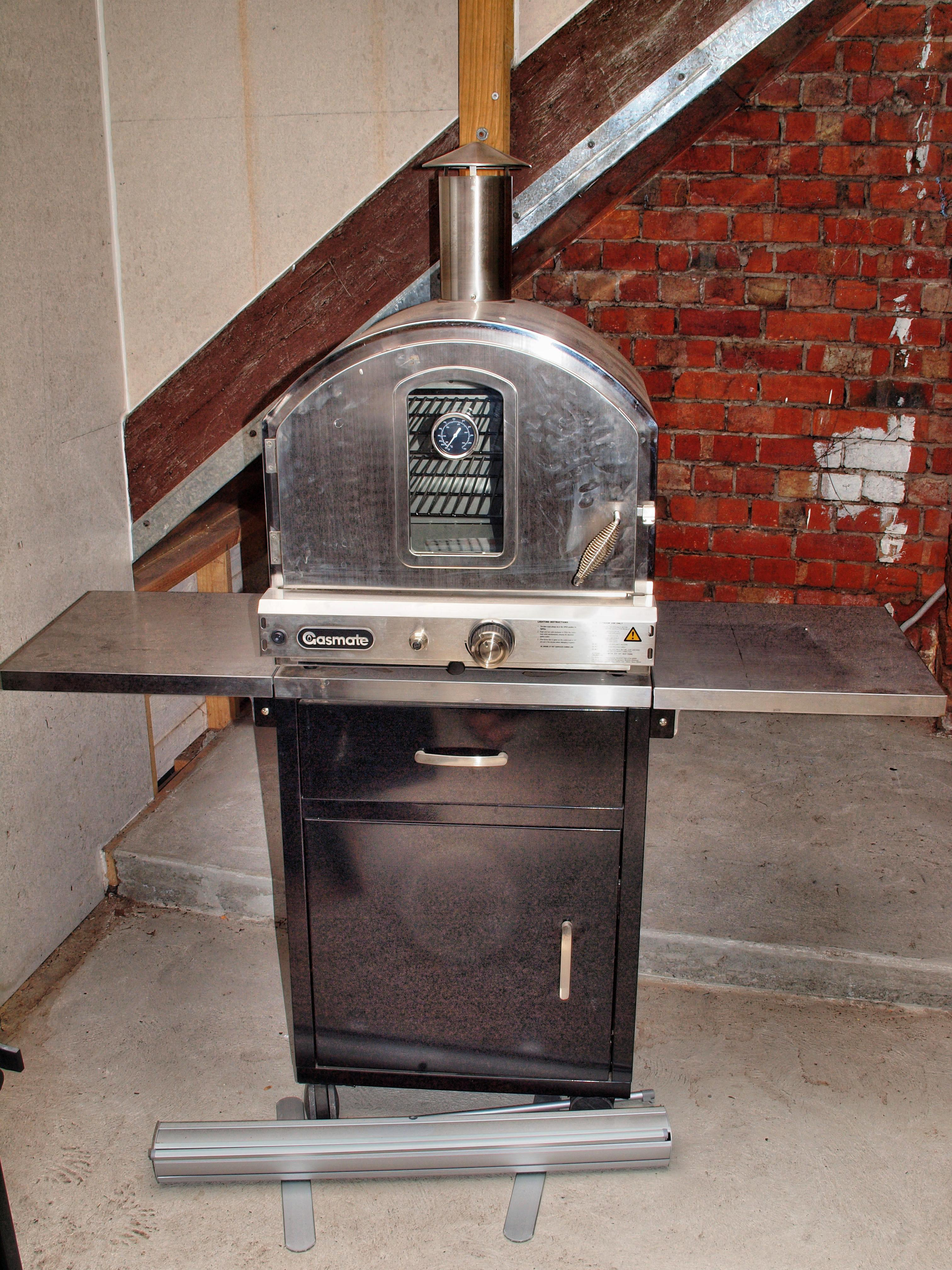 This should be Pizza-oven-1.jpeg.  Is it missing?