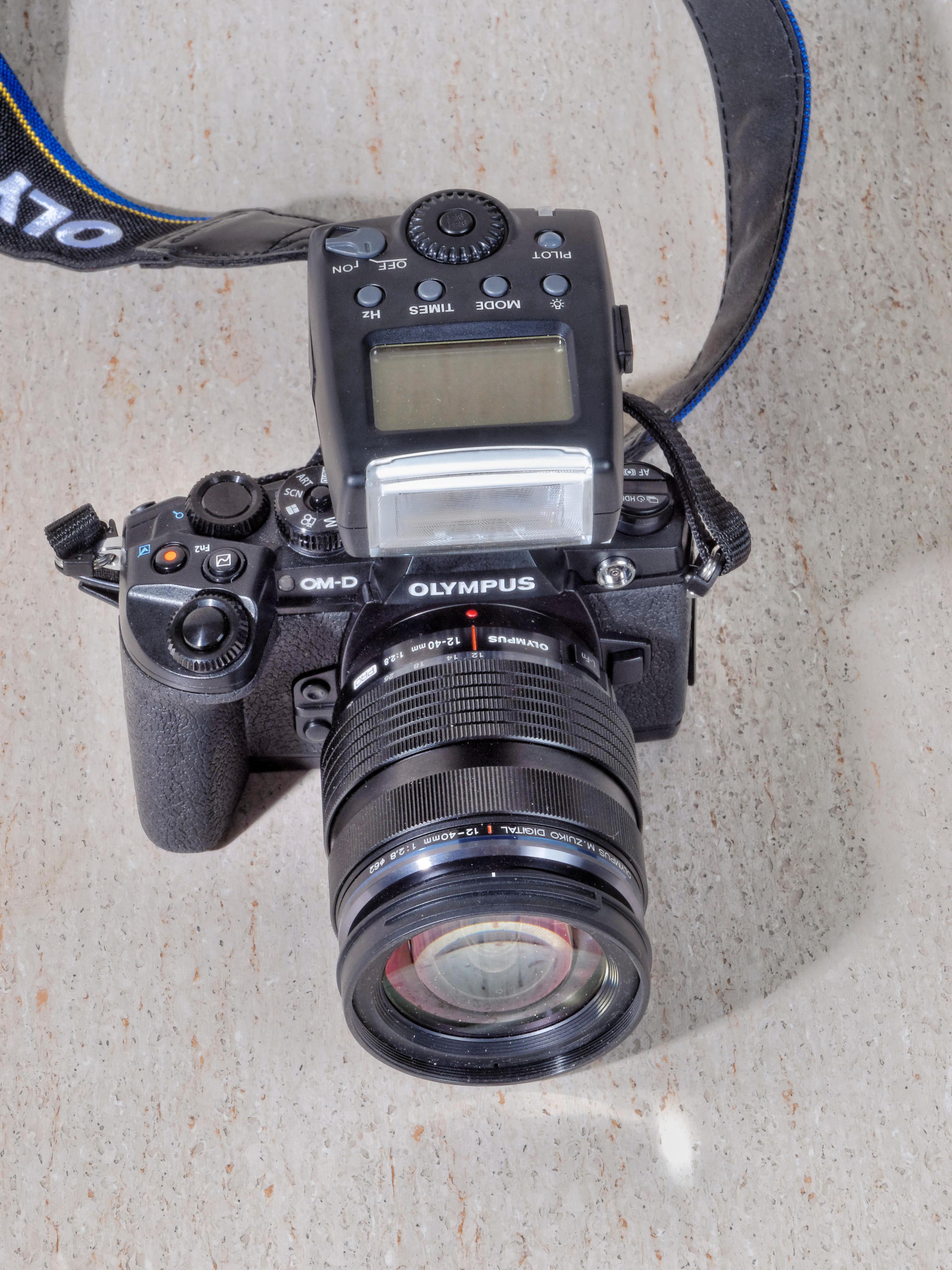 Meike-MK-300-2.jpeg