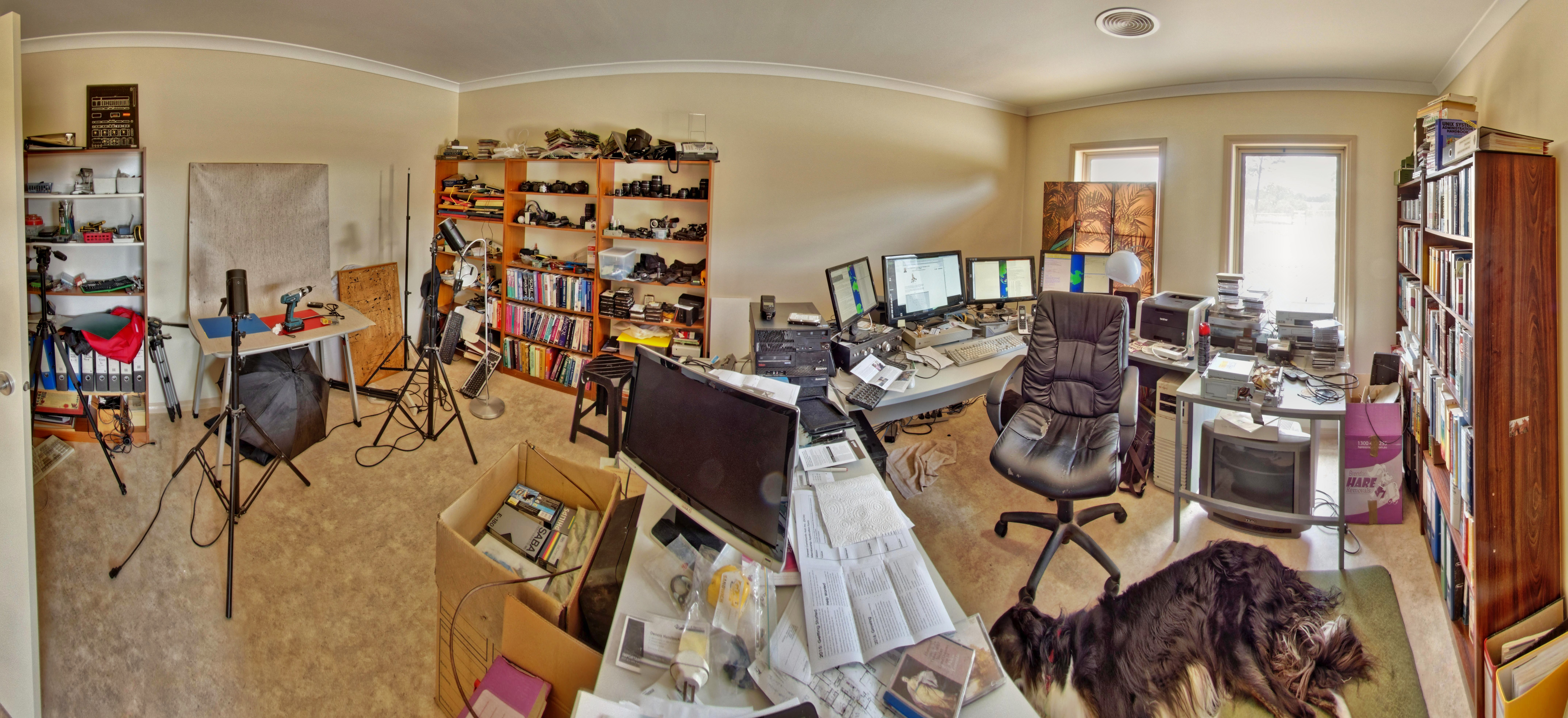 This should be Gregs-office.jpeg.  Is it missing?