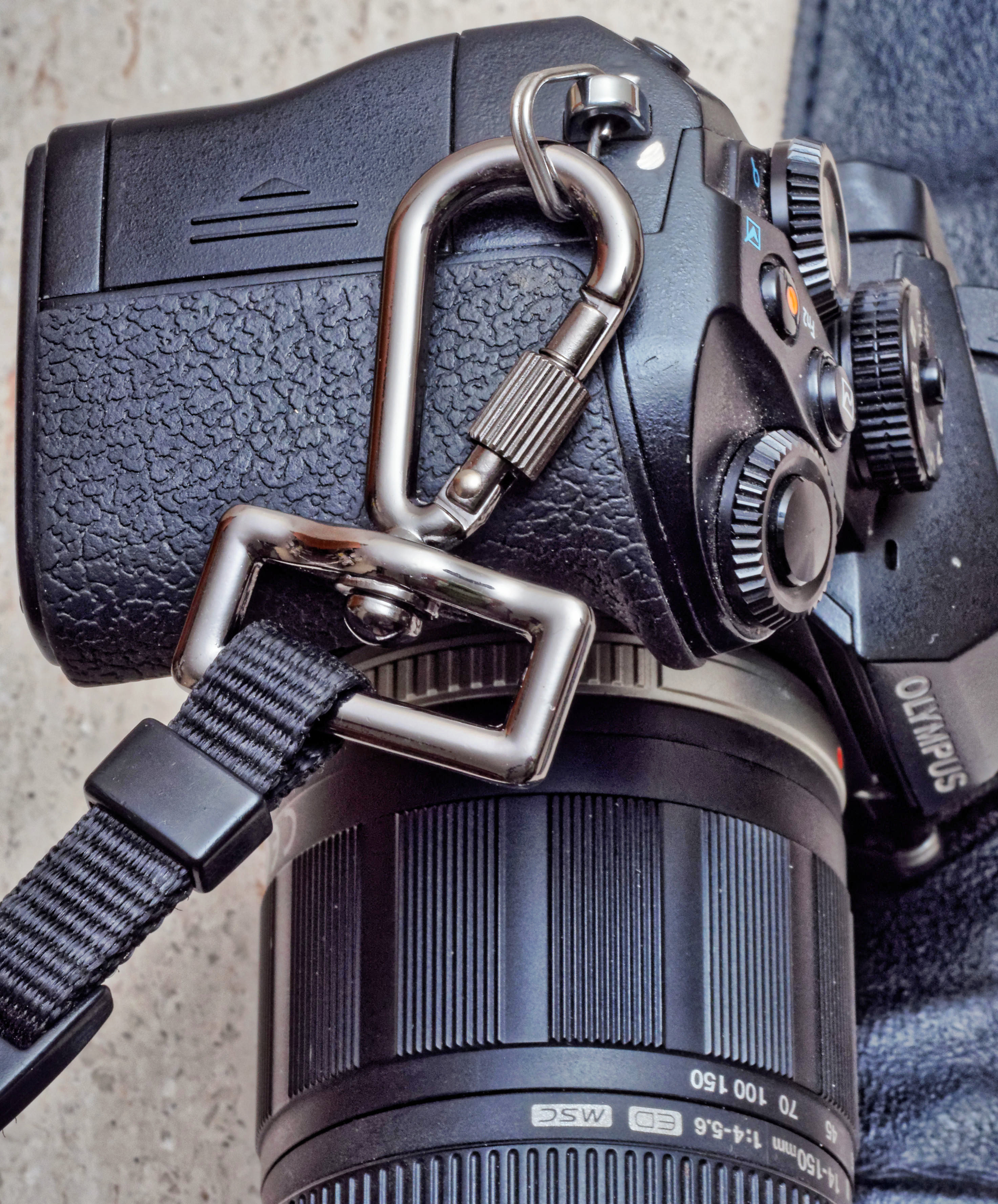 Camera-strap-hooks-1.jpeg