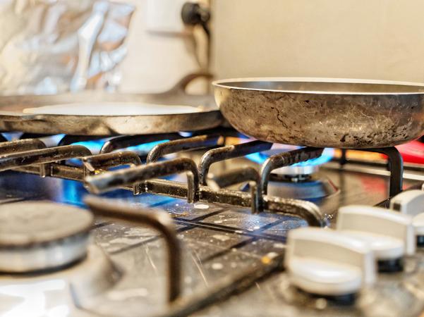 No-space-on-stove-2.jpeg