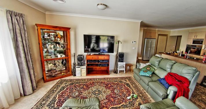 Lounge-room-5.jpeg