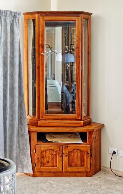 Bassoon-cabinet-1.jpeg