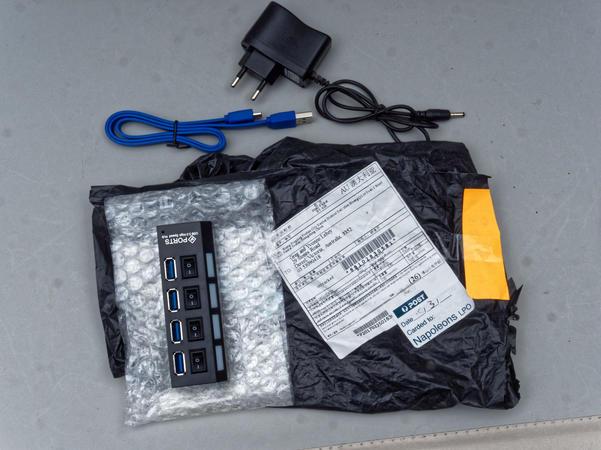 USB-4-port-hub-1.jpeg