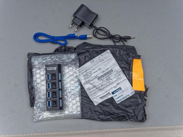 USB-4-port-hub-4-orig.jpeg