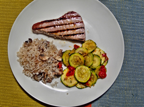 Tuna-with-accompaniments-1.jpeg