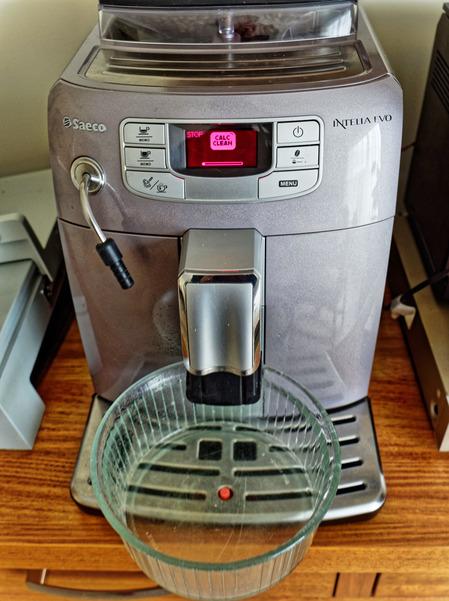 Descaling-coffee-machine-1.jpeg