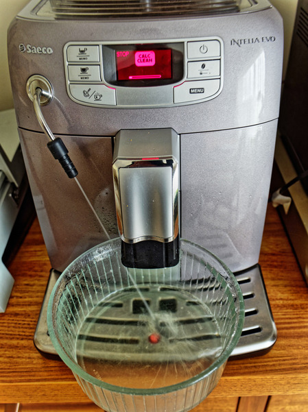 Descaling-coffee-machine-2.jpeg
