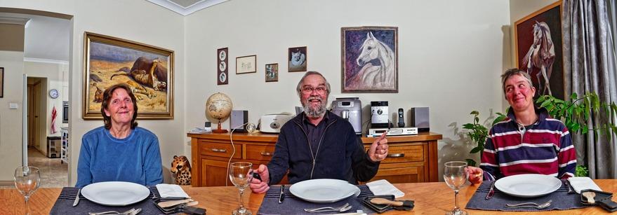 Dinner-guests-3.jpeg