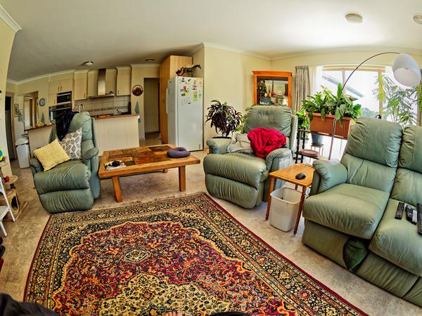 Lounge-2.jpeg