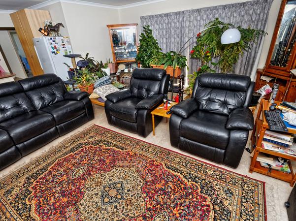 Lounge-room-suite-13.jpeg
