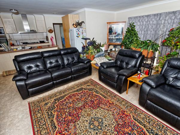 Lounge-room-suite-14.jpeg