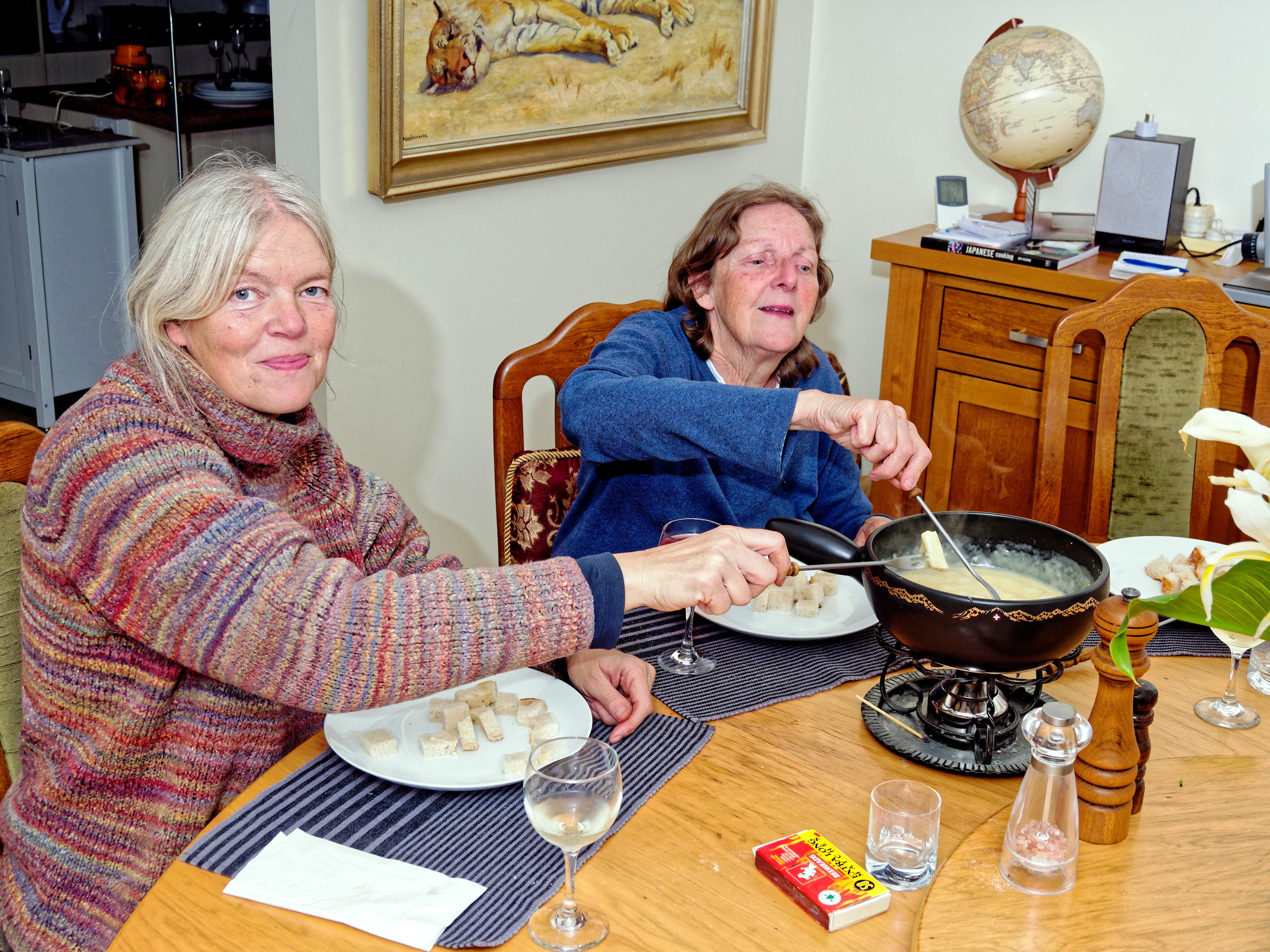 Ruth-Yvonne-fondue-3.jpeg