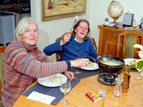 Ruth-Yvonne-fondue-2.jpeg