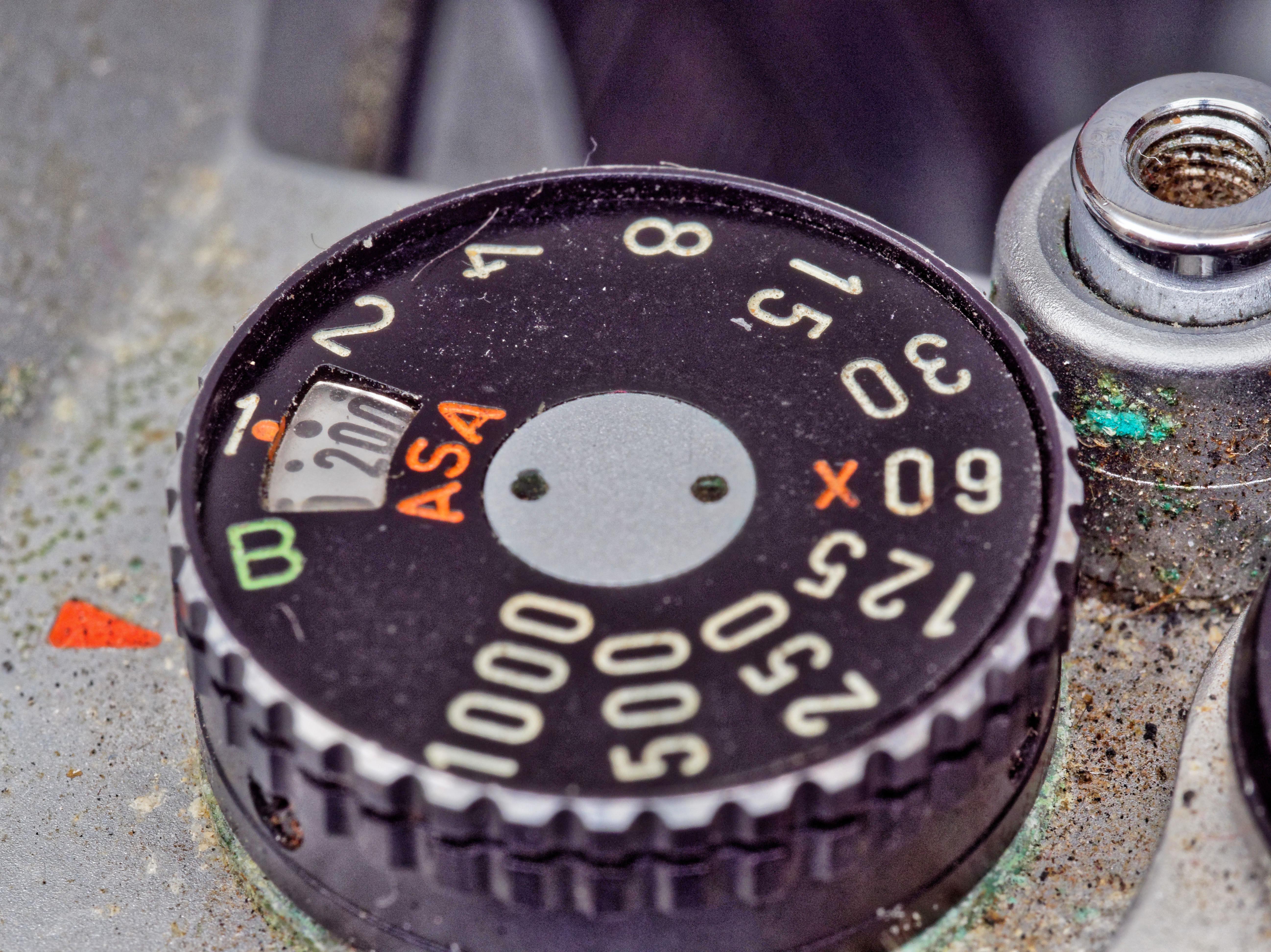 Pentax-KM-Shutter-Dial-2.jpeg