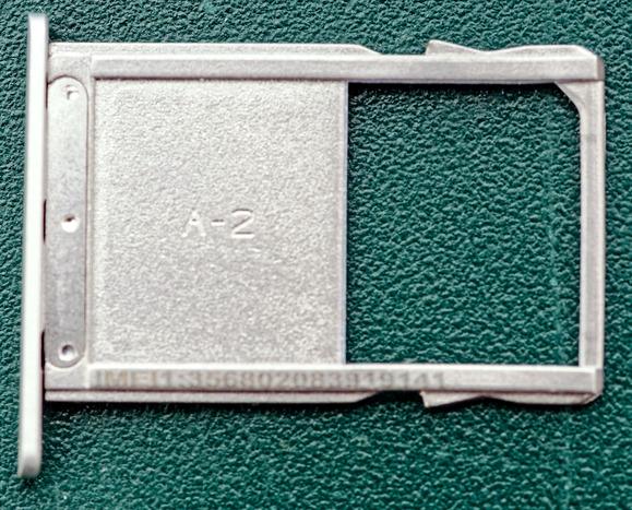 SIM-carrier-2.jpeg