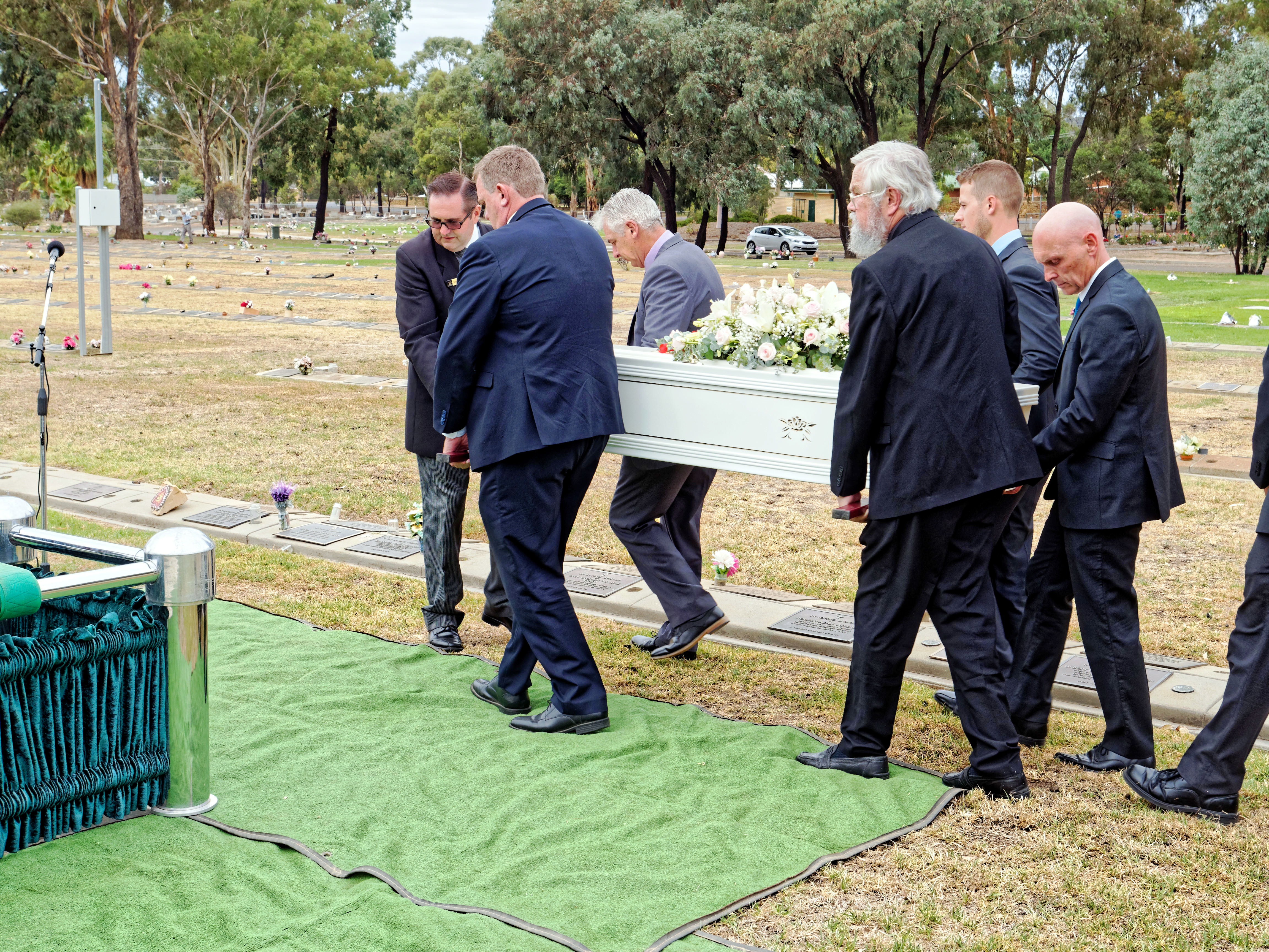 Funeral-38.jpeg
